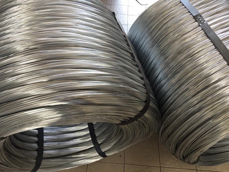 Filo di tensionamento rete metallica per recinzione